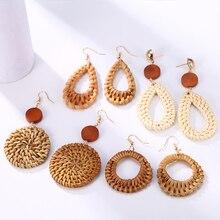 цена HOCOLE Fashion Weave Wooden Drop Earrings For Women Geometric Big Hollow Out Rattan Knit Hanging Dangle Earring Female Jewelry в интернет-магазинах