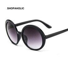 Di modo Rotondo Occhiali Da Sole Donne Del Progettista di Marca di Lusso di Plastica Occhiali Da Sole Femminile Classic Retro Nero All'aperto Oculos De Sol Gafas