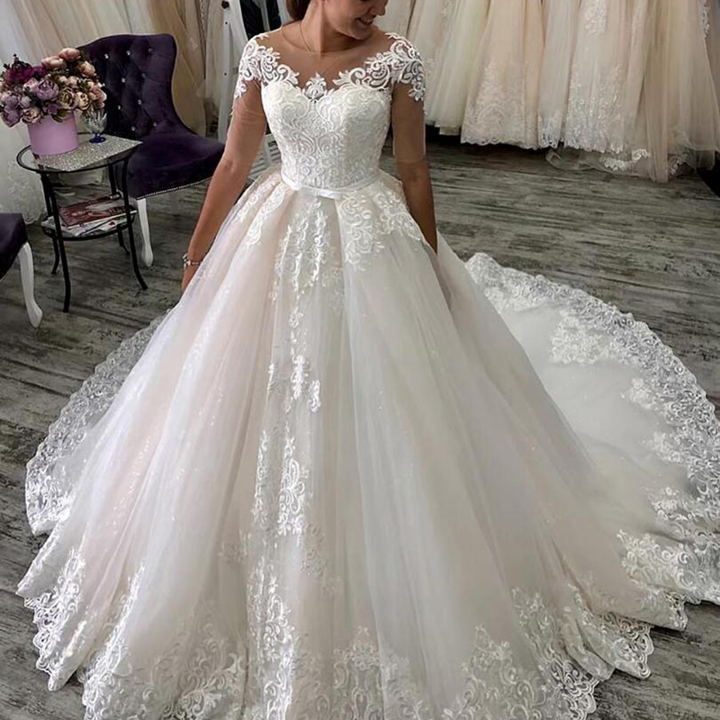 Short Sleeves Lace Appliques Wedding Dresses 2020 With Sash Court Train Jewel Neck Tulle Wedding Bridal Gowns