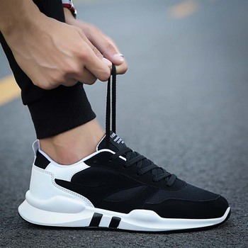 Men Casual Shoes 2020 Men Shoes Outdoors Brand Fashion Sneakers Shoes Light Men Sneakers Breathable Black Chaussures Homme
