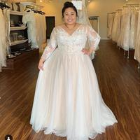 2020 Wedding Dress Plus Size Long Sleeve Long Lace Appliques Sexy V Neck Bridal Gowns Large Size White Ivory Shinning Brides