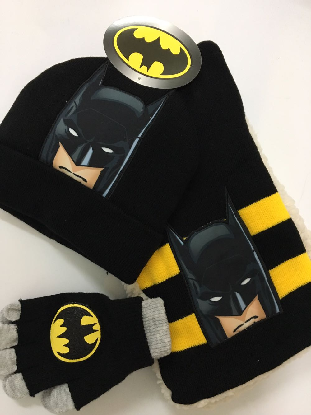 1set Cartoon Cute Avengers Batman Knit Beanie Hat Children Christmas Winter Knitted Scarf Gloves Hat Set Party Kids Gifts 2-8Y