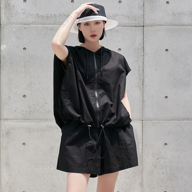 [EAM] Wide Leg Shorts Oversized Two Piece Suit New Hooded Sleeveless Black Loose Fit Women Fashion Spring Summer 2021 1DE0282 2