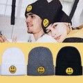 Трикотажная шапка с вышивкой в виде желтого смайлика Джастина Бибера