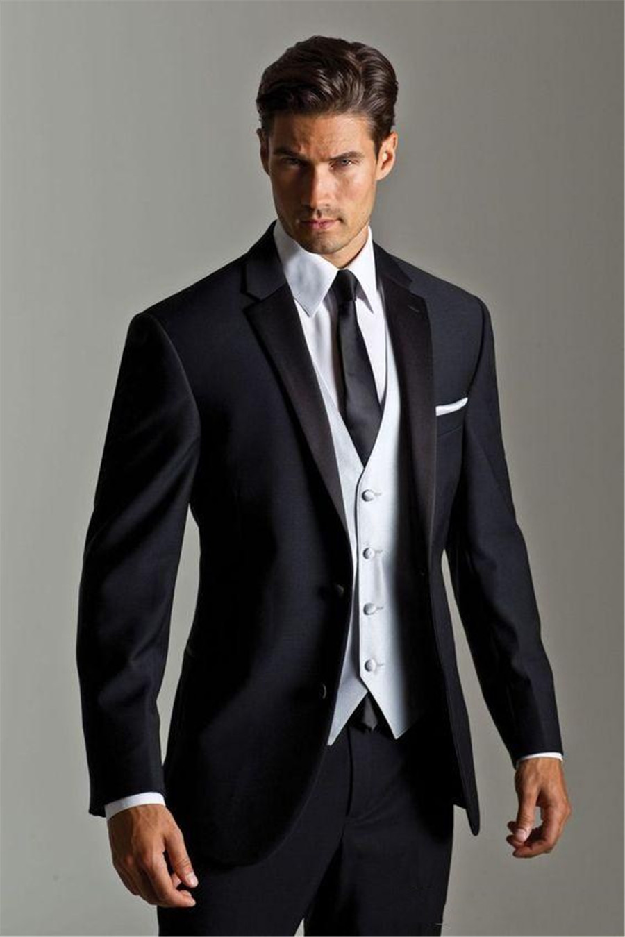 Handsome Navy Blue Custom Mens Wedding Suits Two Buttons Slim Fit Grooms Tuxedo Three Pieces Formal Suit (Jacket+Pants+Vest)
