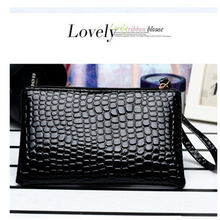 NEW ARRIVAL Korea Crocodile skin Lady Wallet PU High-capacity Women wallet zipper Casual  Dinner bag By Hand high quality walle