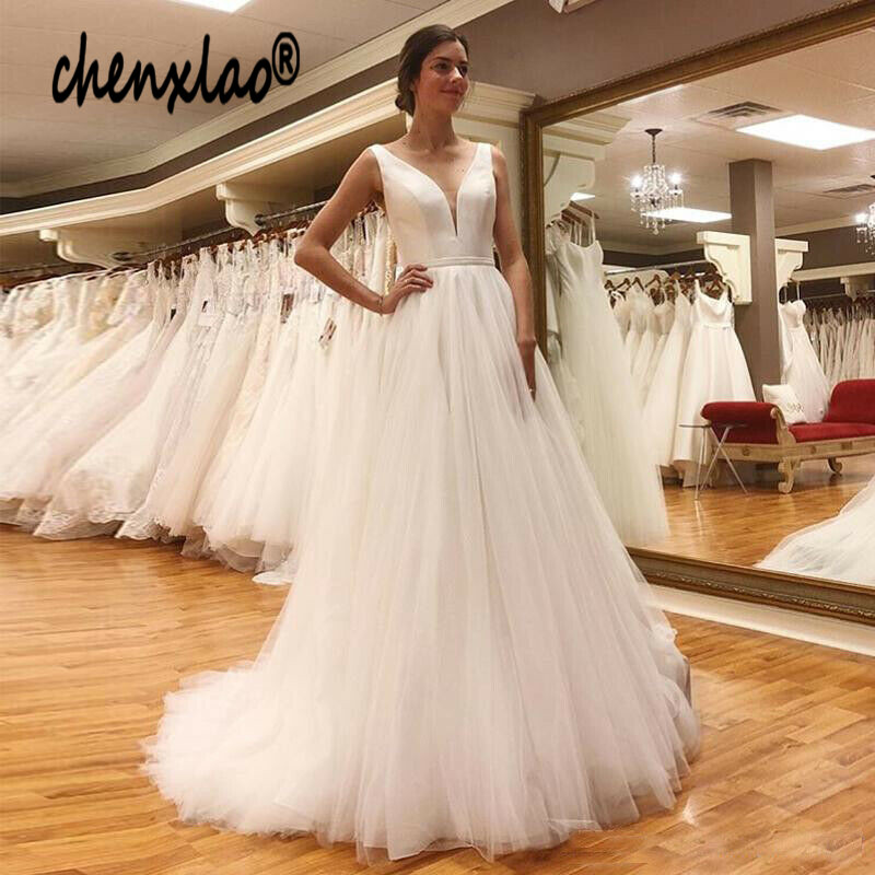 Beach Wedding Dress 2019 With Sashes Puff Tulle Princess Vintage Bridal Dress V Neck Wedding Gown