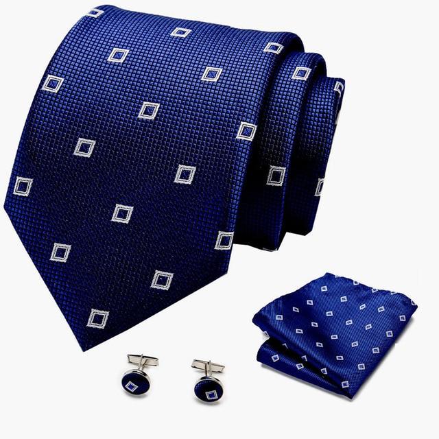 Фото галстук бабочка мужской шелковый в горошек 35 цветов цена
