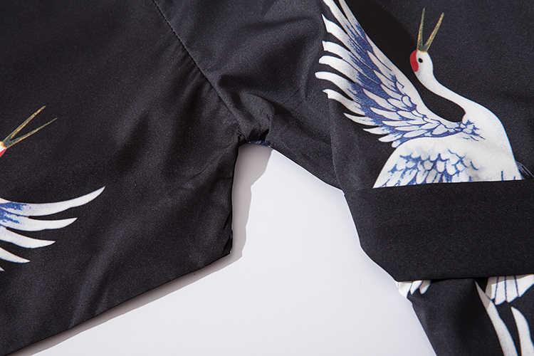 Gli uomini Giapponesi gru bianca stampato Mezza manica a Kimono Accappatoio Giubbotti Harajuku Mens Hip hop Allentato del Cardigan Della Tuta Sportiva Con La cinghia