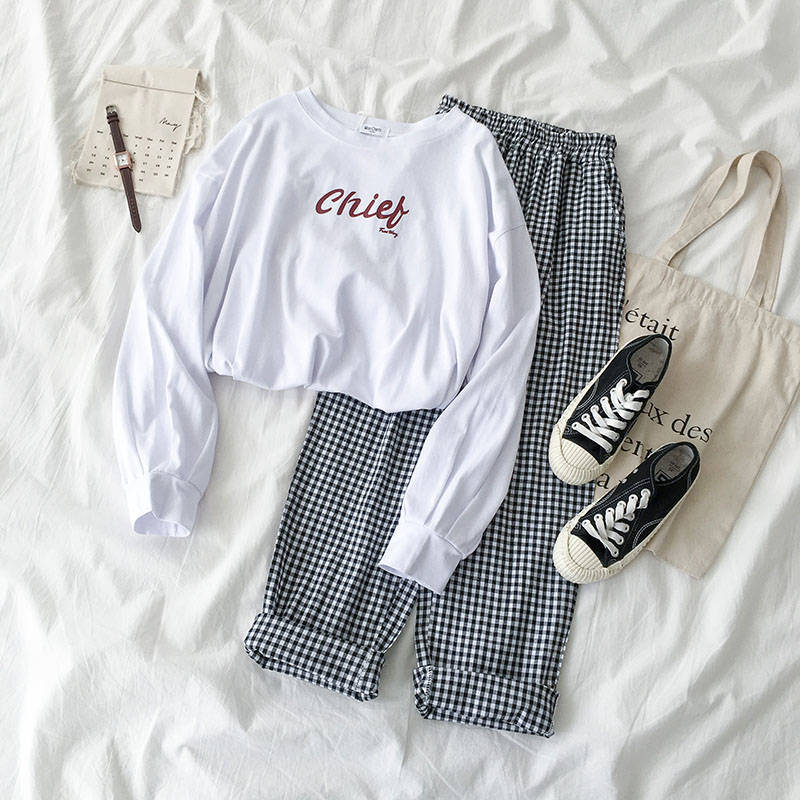 2020 Ins New Women's Two-piece Suit] Korean Students Long-sleeved T-shirt + Plaid Casual Trousers Outfits for Women