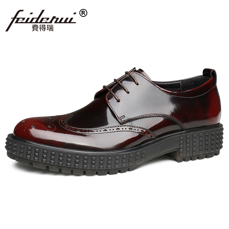 New Arrival Round Toe Laces Man Flat Platform Shoes Patent Leather Formal Dress Oxfords Wingtip Brogues Men's Footwear JS374
