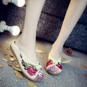Image 3 - Veowalk夏女性の旧北京基本フラットスリッパ花刺繍カジュアル美しいスライドの綿の靴
