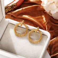 Женские винтажные геометрические серьги гвоздики золотого цвета