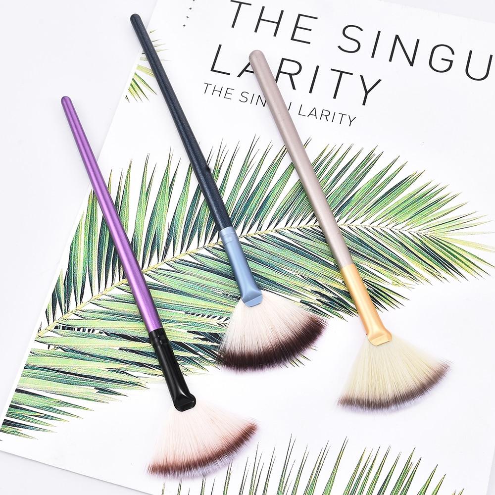 1PCS Soft Makeup Large Fan Brush Foundation Blush Blusher Powder Highlighter Brush Powder Brushes Cosmetic Brushes
