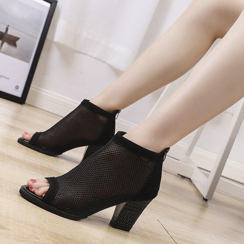 US $20.98  Przędza netto nowe modne szpilki grube z koronką odkryte palce i pięta buty damskie sandały gladiatorki buty damskie modele w Damskie buty