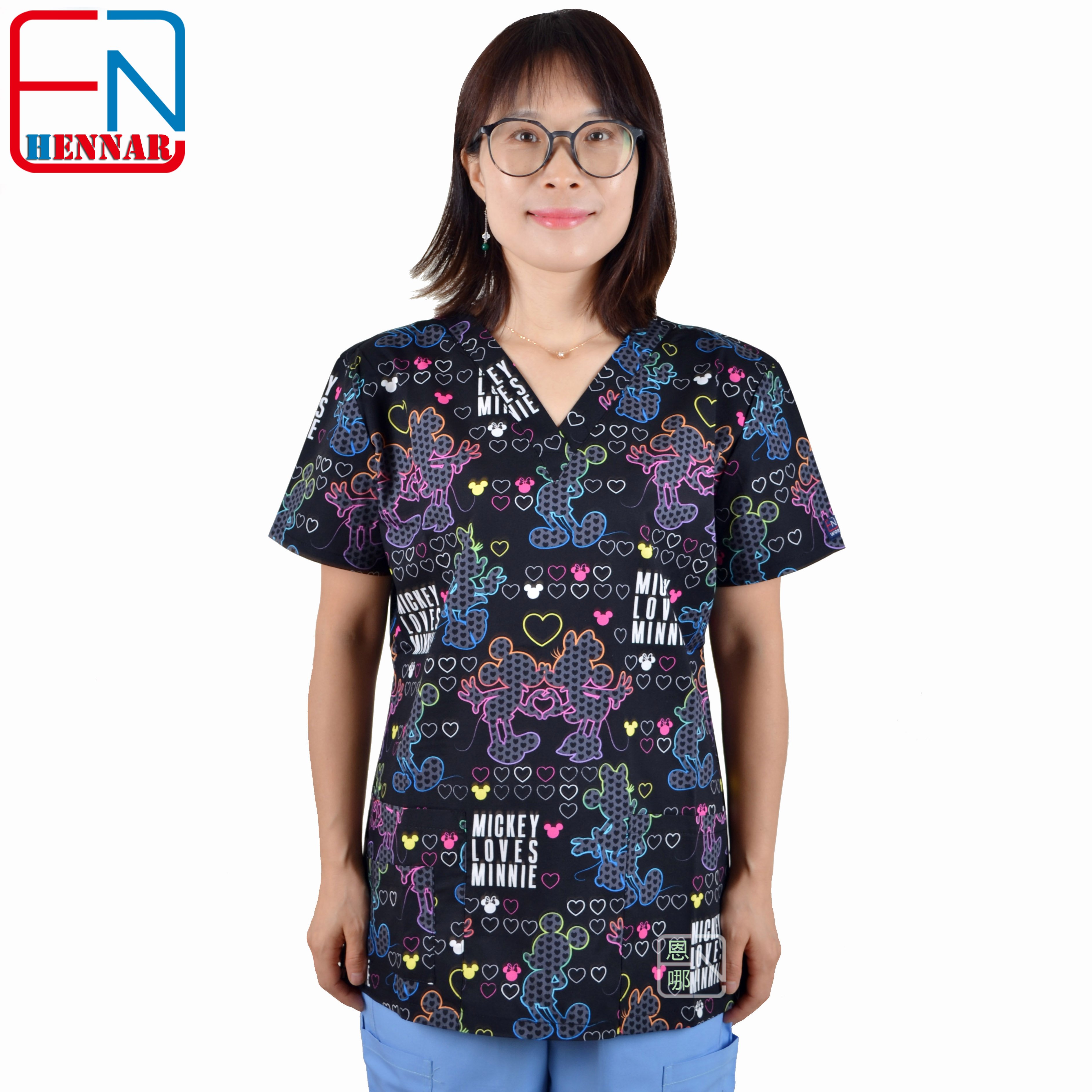 Hennar Women Scrub Tops Medical With V Neck 100% Cotton Surgical Short Sleeve Cartoon Print 2019 High Quality Scrubs Top Female