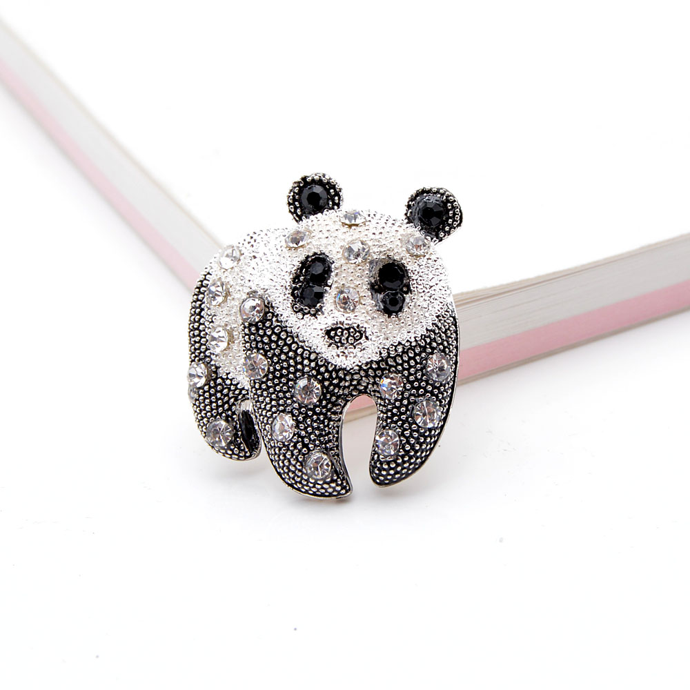 CINDY XIANG Black And White Color Panda Brooch Unisex Fashion Animal Design Brooch Rhinestone Jewelry High Quality New 2021 5