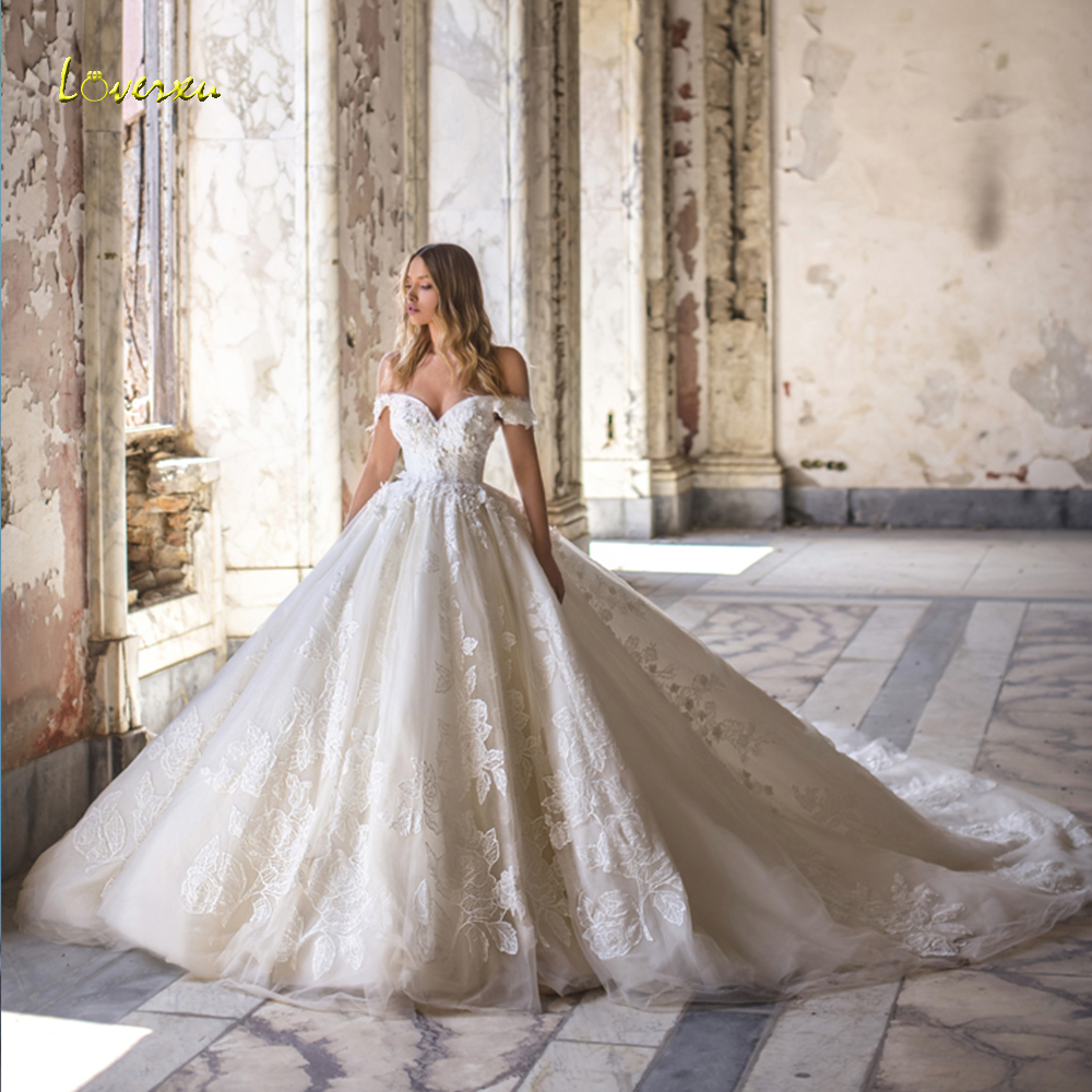 Loverxu Sweetheart Ball Gown Lace Wedding Dresses Appliques Beading Off The Shoulder Bride Dresses Cathedreal Train Bridal Gowns