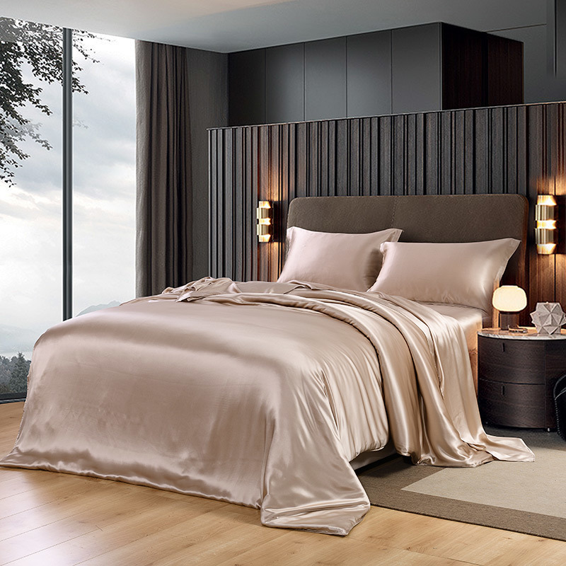 New Reach 30 Newcomb Thickening Real Silk Four Paper Set <font><b>100</b></font> Mulberry Silk Suite Quilt Cover Really Silk Bedding Article image