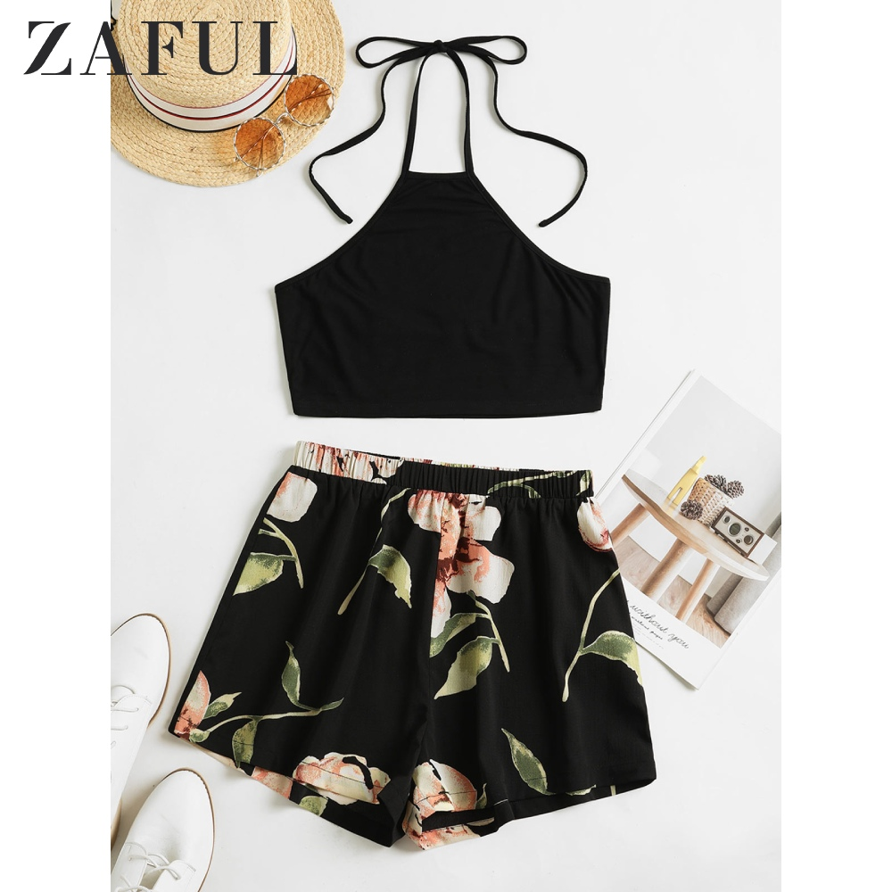 ZAFUL Flower Print Halter Contrast Two Piece Set Pleated Crop Top Elastic Waist Mid Waist Shorts Mix And Match Two Piece Outfits