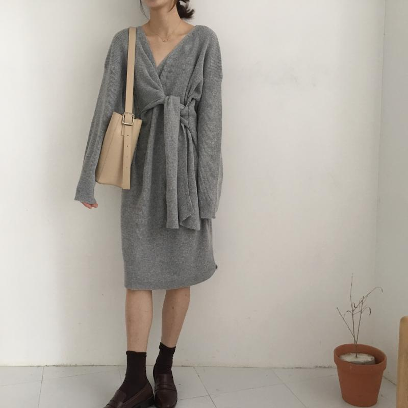 H34516e7f602c4ff6bcf81dce60d00f84R - Winter Korean V-Neck Long Sleeves Knitted Dress