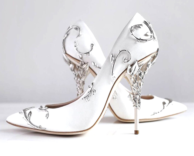 Elegant Silk Rhinestone Flower Design Pointed Toe High Heels 2