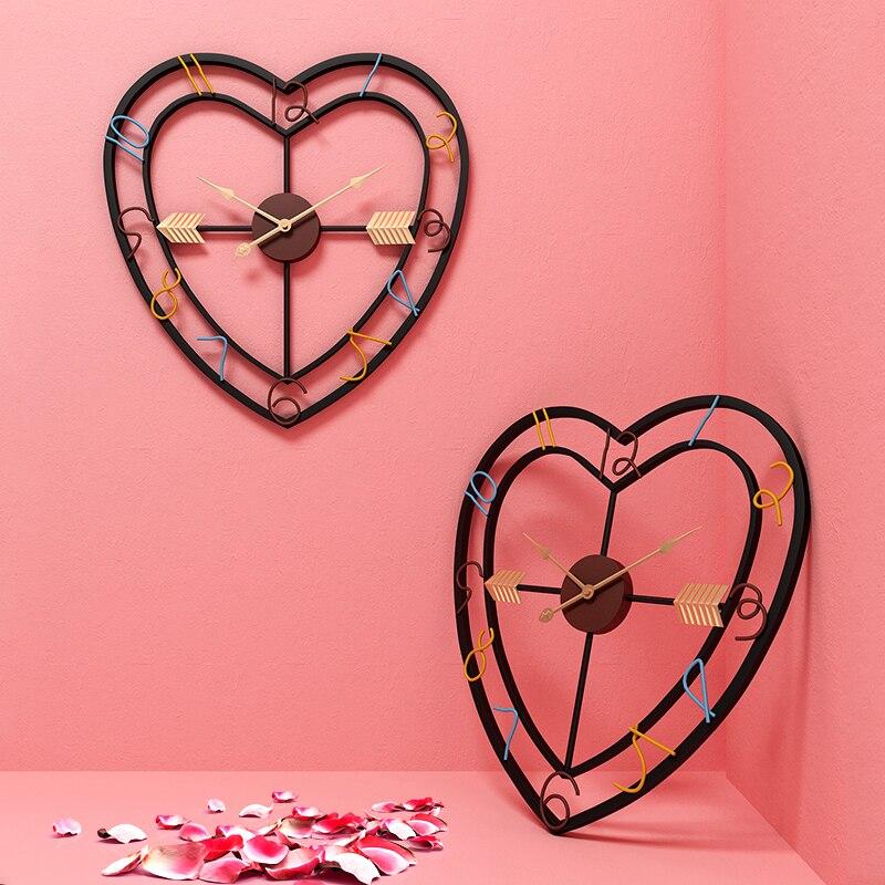Moderne métal en trois dimensions amour forme horloge murale Design créatif Art Quartz horloges silencieux mur montre décor à la maison R2270