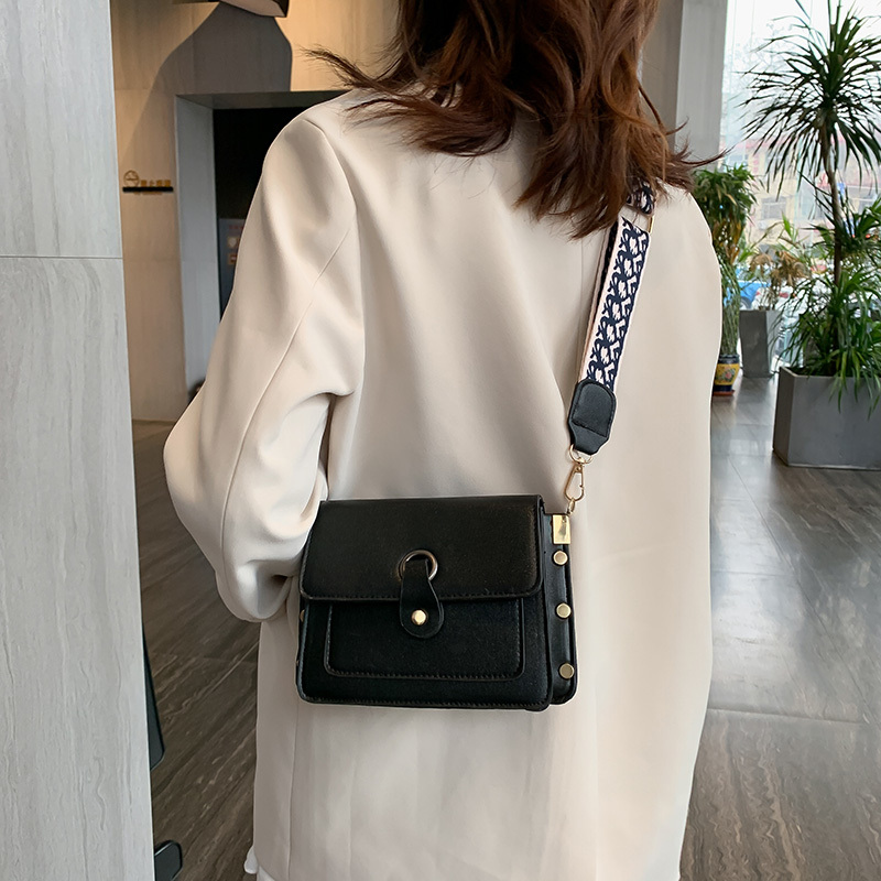 Wide Strap Women's Shoulder Bag Designer Luxury Messenger Handbag Fashion Female Small Square Crossbody Bag Buckled Flap Tote