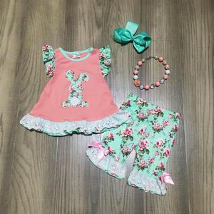 Image 1 - Ilkbahar/yaz paskalya nane mercan tavşan üst çiçek kapriler bebek kız giysileri pamuk fırfır butik seti maç aksesuarları