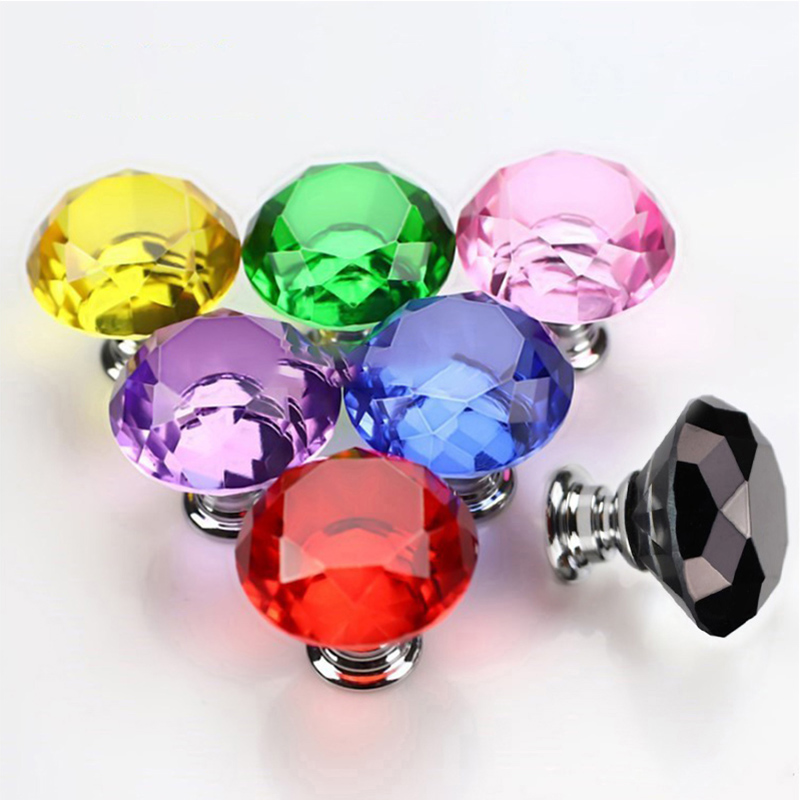 Купить ручки для шкафа в форме бриллианта