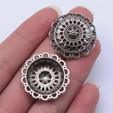 Wysiwyg 5 pçs 27x27mm antigo prata cor redonda oco flor encantos pingente para fazer jóias diy jóias descobertas