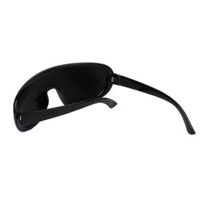Pinhole Glasses Exercise Eyewe
