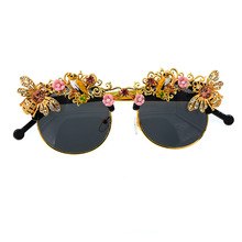 Bee Sunglasses Baroque Women Diamond Rhinestone Luxury Designer Pearl Glasses Flower Fashion 2019 Retro Round Sun Trendy