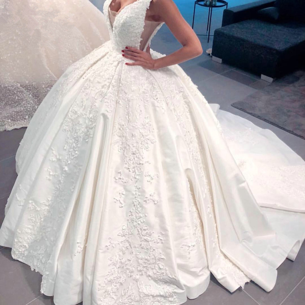 Luxury Wedding Dress Ball Gown Fluffy Satin Lace Beading Appliques 2020 New Design Bridal Dress Custom Made SH22