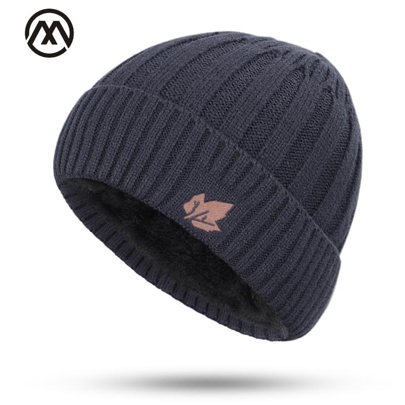 2019 Classic Men's Skull Cap Scarf Men And Women Winter Warm Thick Knit Hat Maple Leaf Velvet Warm Winter Hat Men's Peas