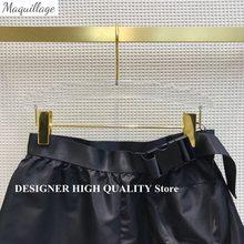 Runway Design Streetwear Shorts Women 2021 New Summer Chic High Waist Buckle Sashes Big Pocket Safari Style Casual Shorts