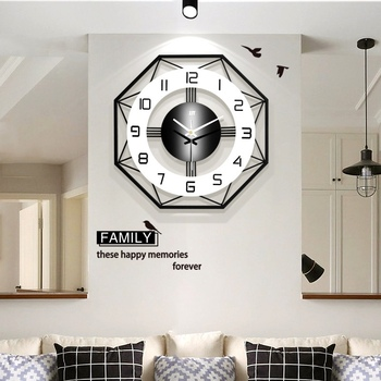 Creative Geometric Design Wall Clock Simple Fashionable Nordic Style Wall Clock Household Mute Quartz Battery Powered