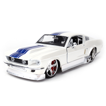 цена на Maisto 1:24 1967 Ford Mustang GT Sports Car Static Simulation Diecast Alloy Model Car
