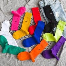 Harajuku-Calcetines de algodón con letras para mujer, calcetín holgado, informal, para monopatín, deportes de calle, color morado, azul, amarillo y rosa, venta al por mayor