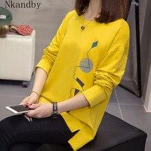 Nkandby בתוספת גודל נשים חולצות סתיו בגדי Loose גרפי Tees חולצות גדול פיצול ארוך שרוול הדפסת קוריאני גברת Tshirts