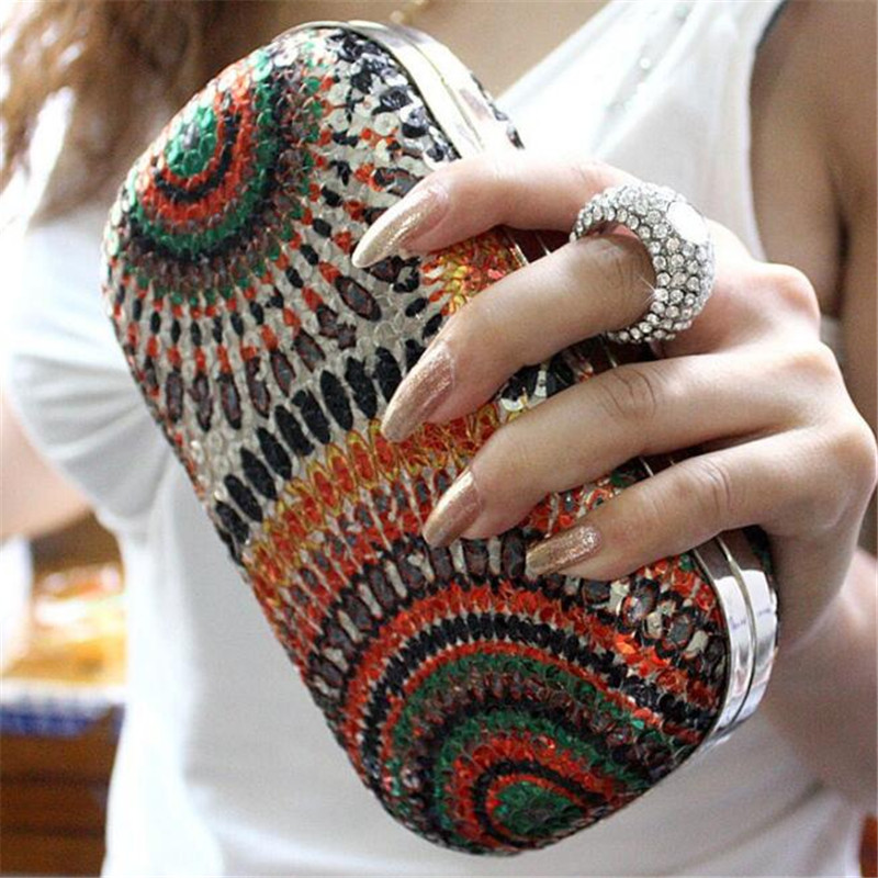 2019 Wedding Dress Bag Women Clutch Purses Knuckle Rings Sequins Evening Bag Party Bride Wallet Day Clutch Rhinestone Makeup Bag
