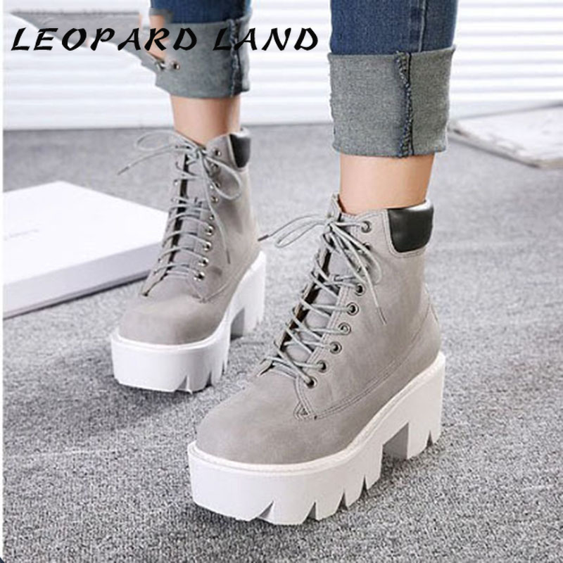 LTARTA Women's Shoes  Classic Martin Boots Wedges Ankle Boots Square Heels Sliver Lace-up Boots Platform Ankle Boot .JXQ-2618