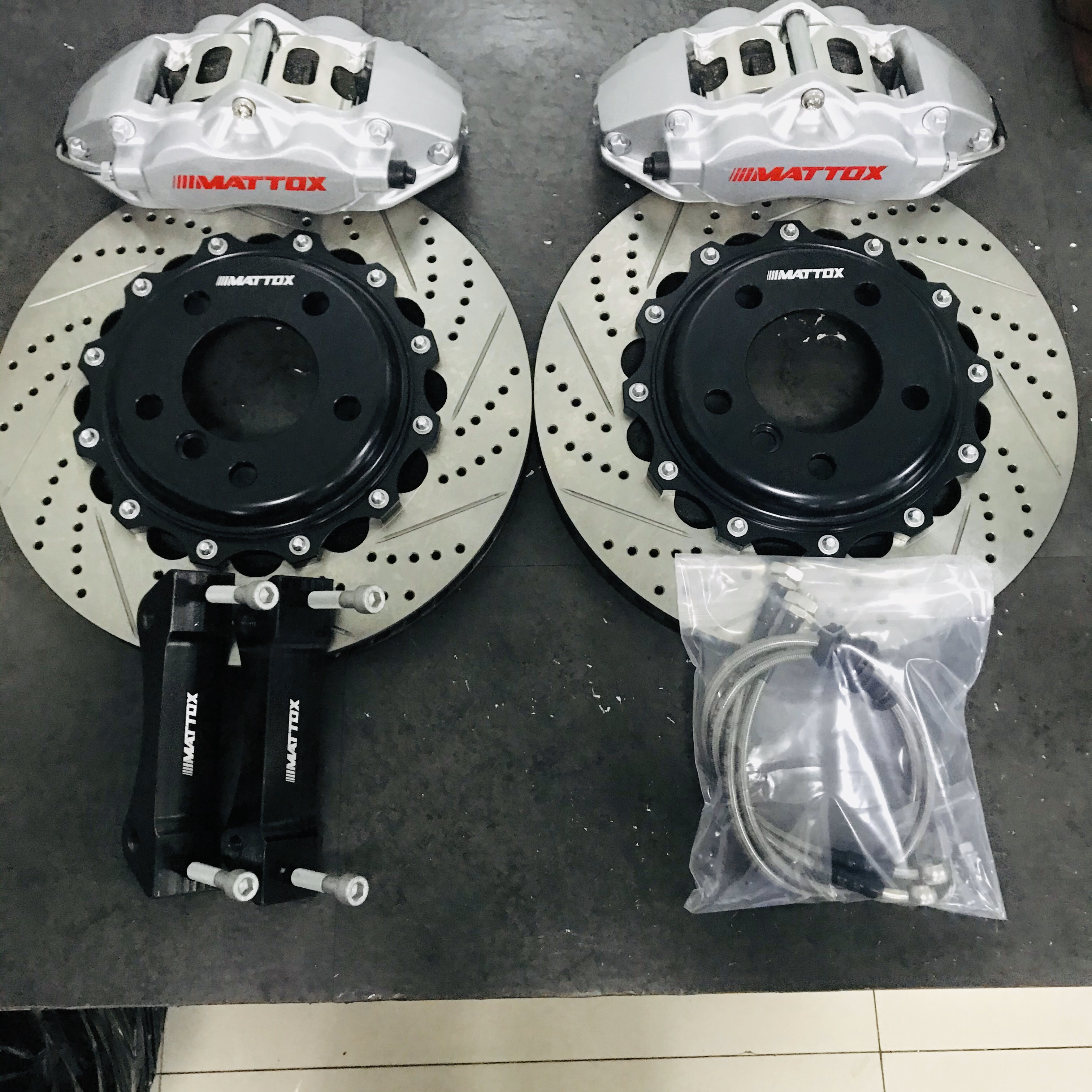Mattox Kit de frein de voiture 330*28mm disque de frein Rrotors 4POT Piston étrier pour VOLVO S60 V60 2001 2009 roue avant 17 pouces