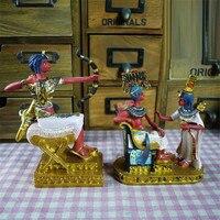 Kreatywny starożytny egipt faraon rzeźba artystyczna figurka Cleopatra dekoracje z żywicy dla domu prezent urodzinowy R3696 w Posągi i rzeźby od Dom i ogród na