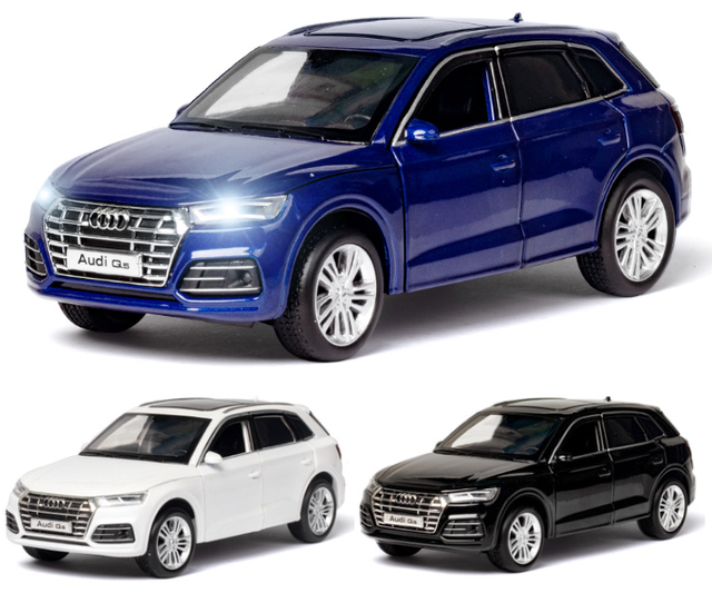 Diecast Toy Model 1:32 Scale New Audi Q5 Sport SUV Car With Pull Back Sound Light Children Gift Collection Free Shipping