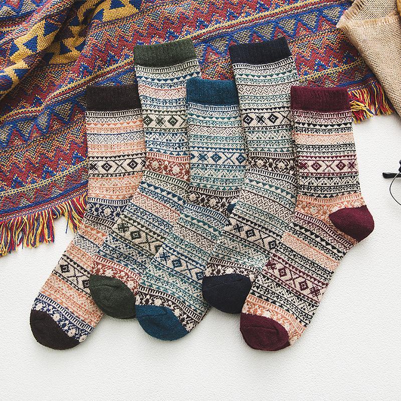 5Pairs/lot New Witner Men Socks Thick Warm Wool Socks Retro Fine Pattern Christmas Socks Colorful Socks Gift Free Size YM9003