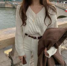 Женский трикотажный пуловер с v образным вырезом