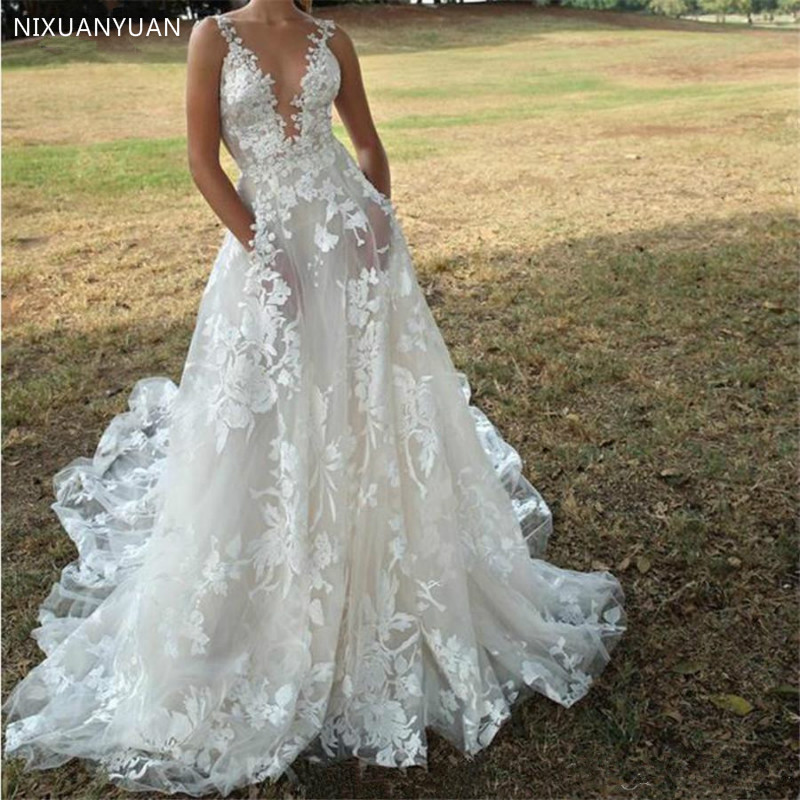 Stunning Lace Flora Wedding Dresses for Garden Boho Weddings Gown A Line Plunging Neck Sexy Open Back Tulle Boho Bridal Gowns
