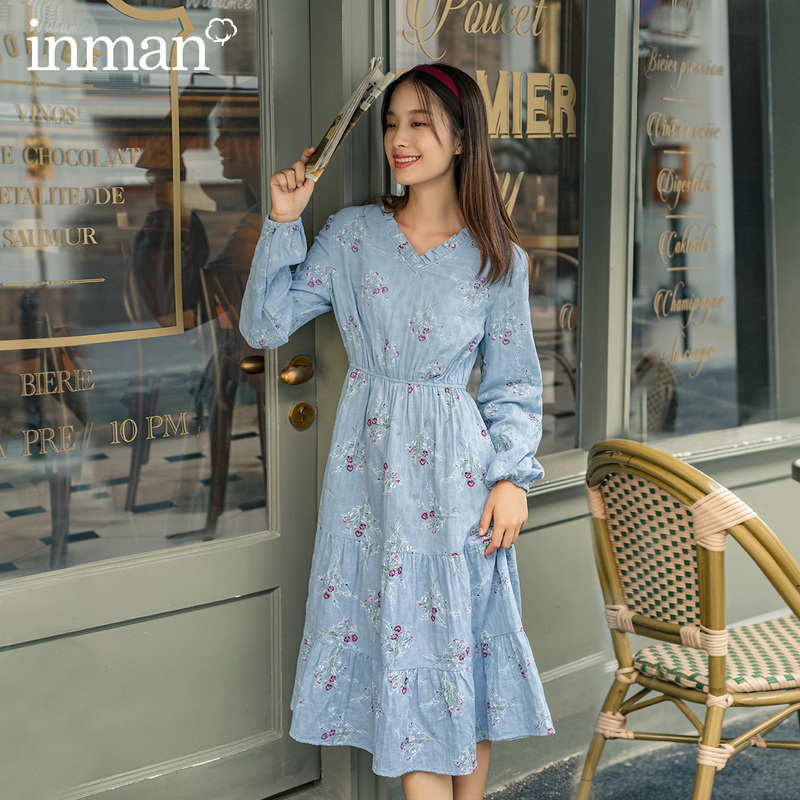 INMAN 2020 Autumn New Arrival Stringy Selvedge V-neck Blue High-waisted Floral A-line Long Sleeved Dress