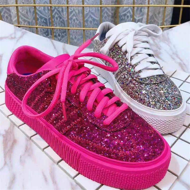 Moda kırmızı gümüş ayakkabı kadınlar Glitter Sneakers yaz Bling Flats dantel-up Sparkly ayakkabı kadın rahat nefes ayakkabı Tenis